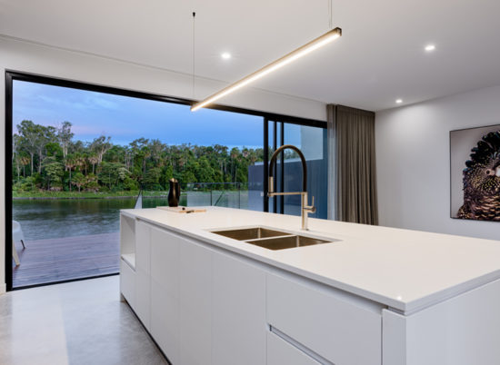 Property_4_Sale_800x600__SCR_0014_Kitchen Deck 1