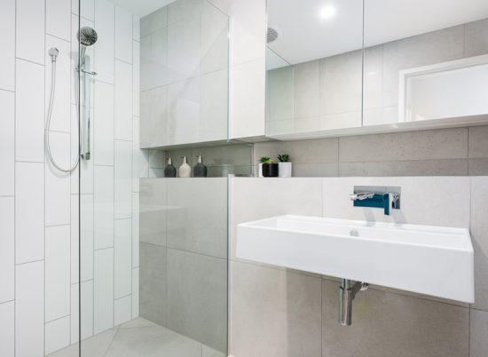 18_Bedarra_SCR_01_0003_Main Bath